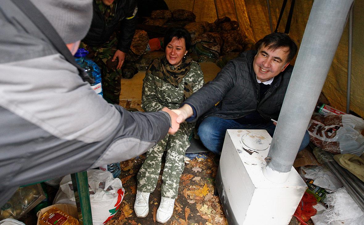 Ночь под Радой: Саакашвили понравилось жить в палатке! Смотрите видео