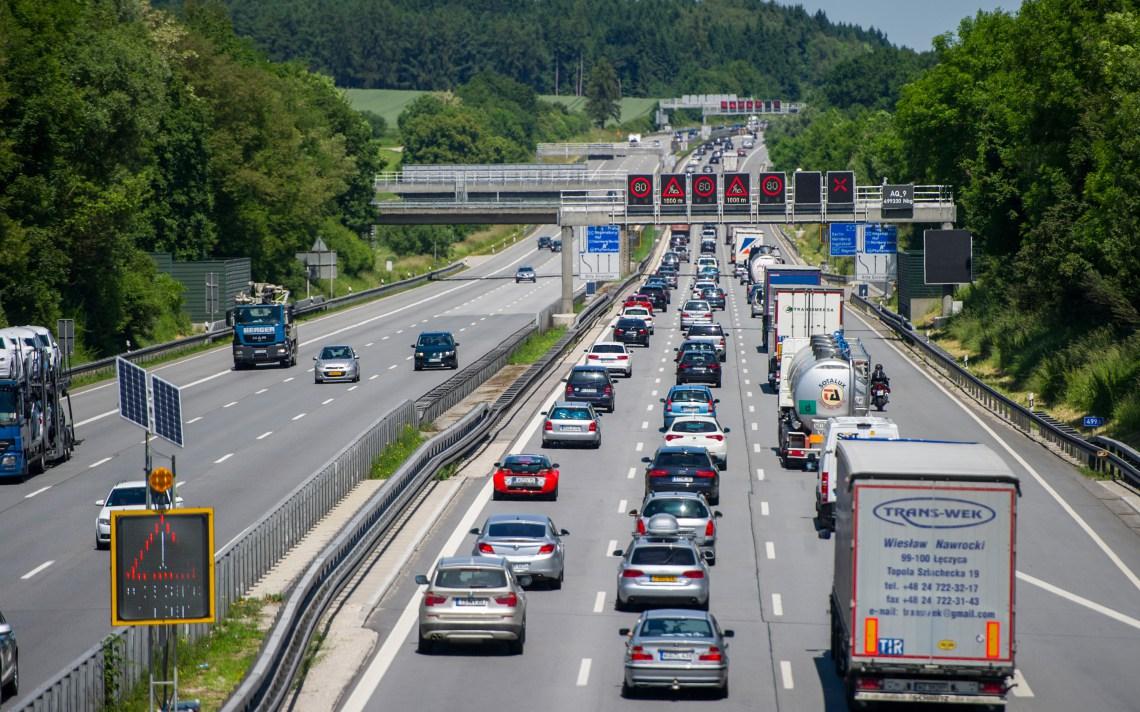 Сколько готовить денег: в Украине появятся 3 платные магистрали