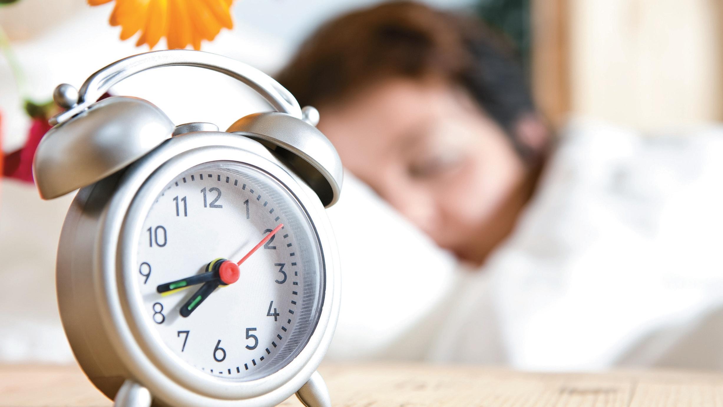 Спим на час больше или меньше? Когда состоится переход на зимнее время