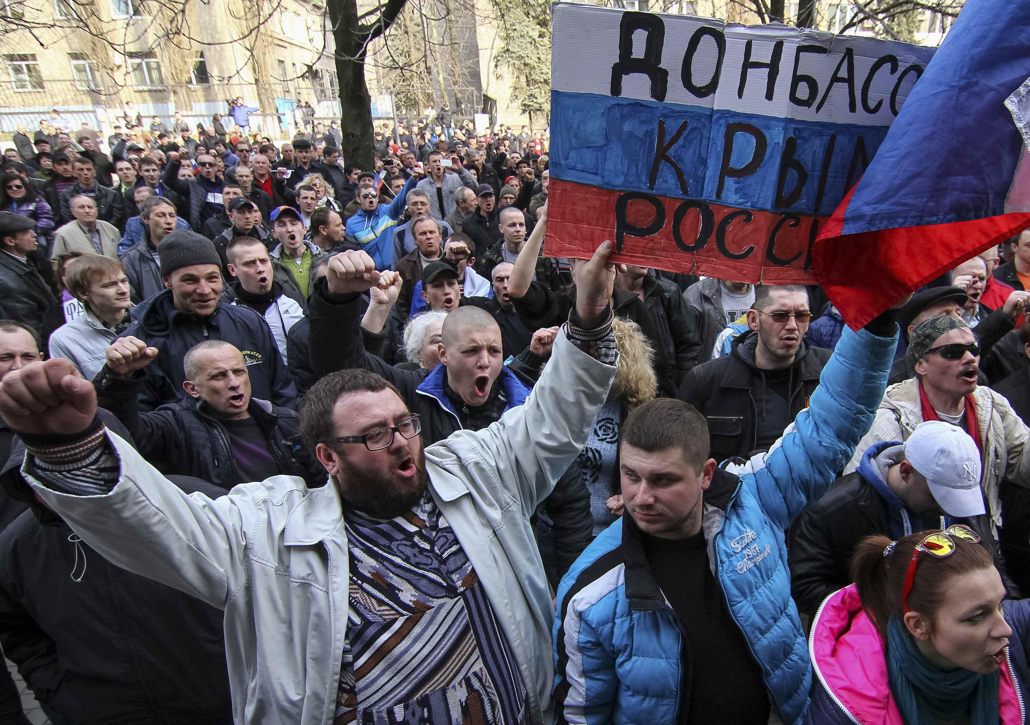 Истерика на Донбассе: Не для этого в 2014 году мы шли на референдум и в ополчение!