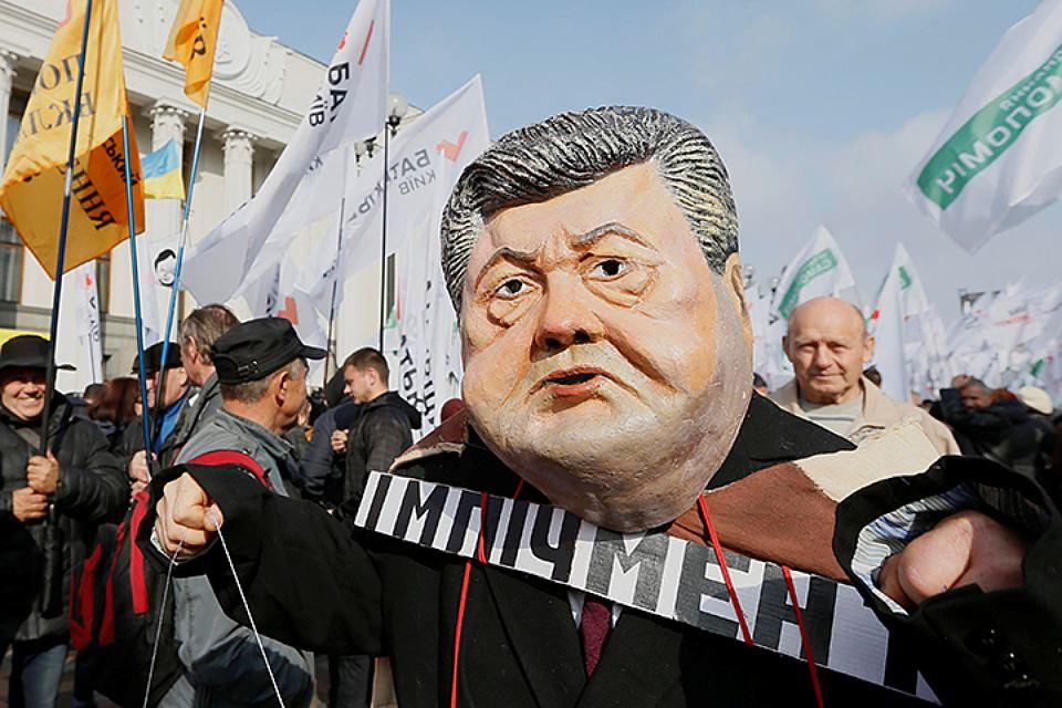 Нардеп назвал срок свержения Порошенко