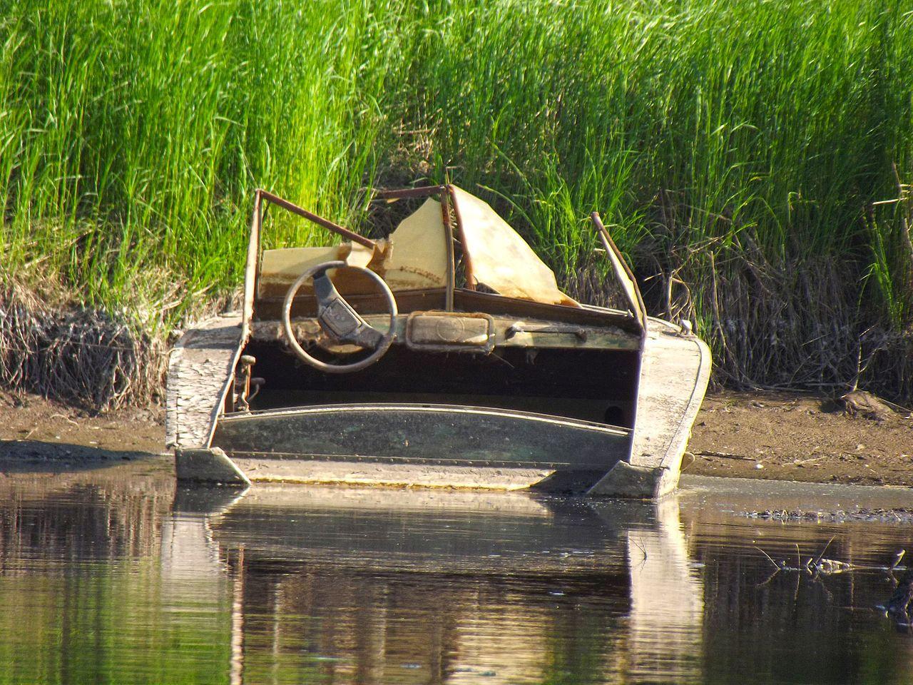 Загадочное ЧП: у берегов Эстонии нашли катер с двумя трупами