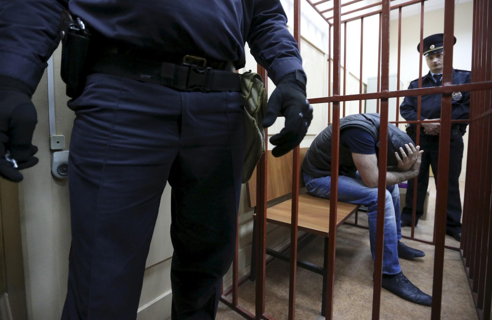 """Жесткий """"кидок"""": более 1000 украинцев вместо работы попали в России за решетку"""