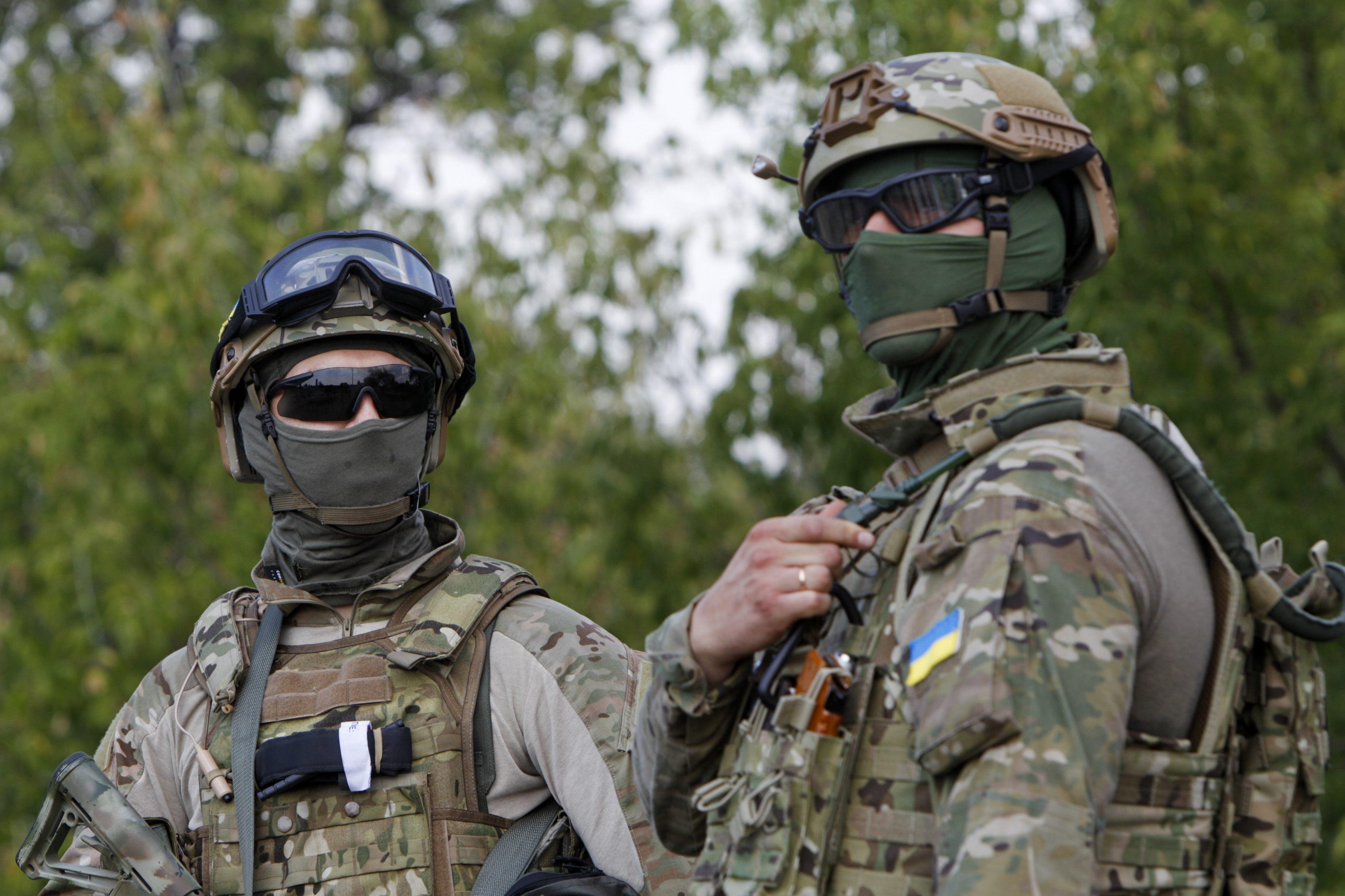 """Спецназ ВСУ показал """"зеленым человечкам"""", что их ждет в бою"""