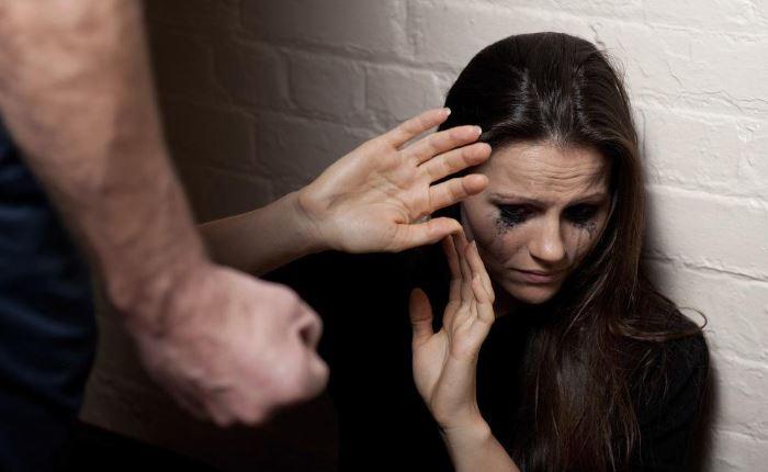 ШОК! В Одессе пьяные добробатовцы побили женщину и разгромили ларек