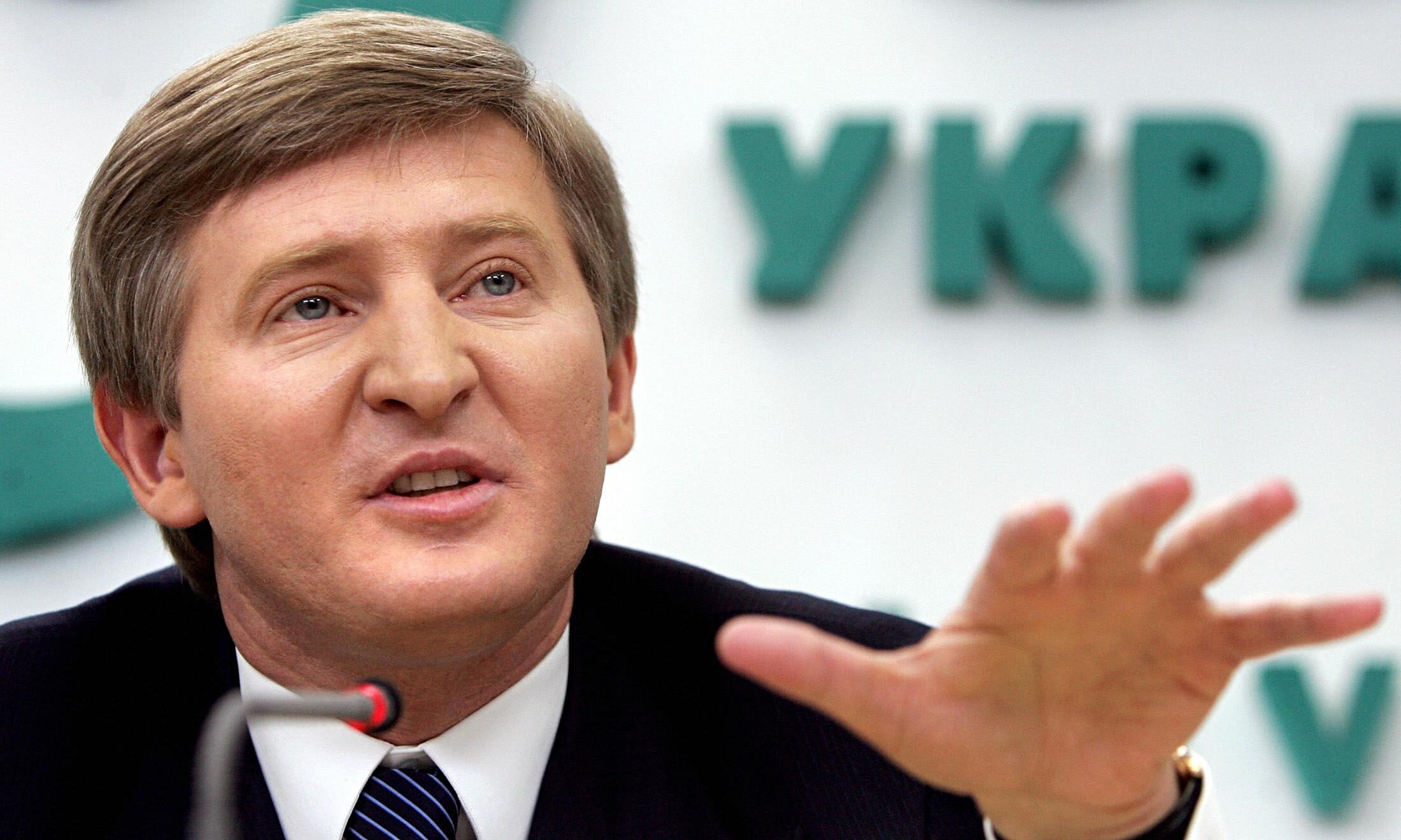 Семенченко: Ахметов пойдет на каторжные работы. С ядром на ноге будет строить дорогу Николаев – Кировоград
