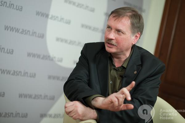 Тарас Чорновил: Савченко откровеннее всего отрабатывает рашистскую версию о гражданской войне