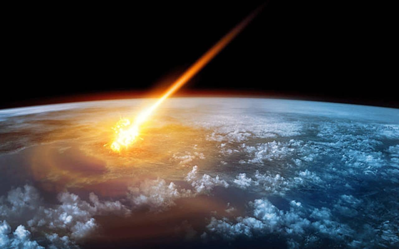 АТАКА ИЗ КОСМОСА! Падение астероида, который вызвал мощный взрыв, сняли на камеру