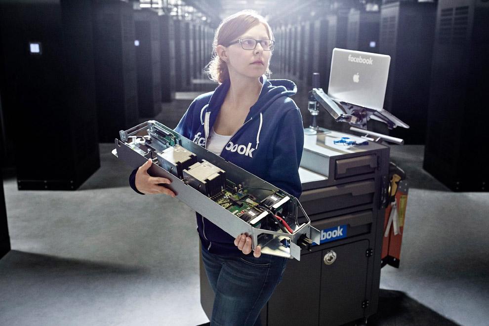 НЕОЖИДАННО! А вы знали как выглядит Facebook изнутри?