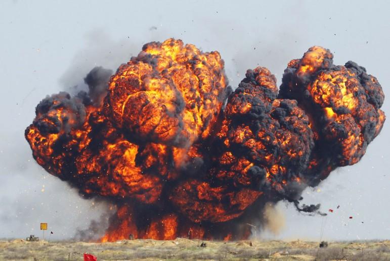 СРОЧНО! Кто стоит за взрывами на складах боеприпасов и сколько на этом зарабатывает?