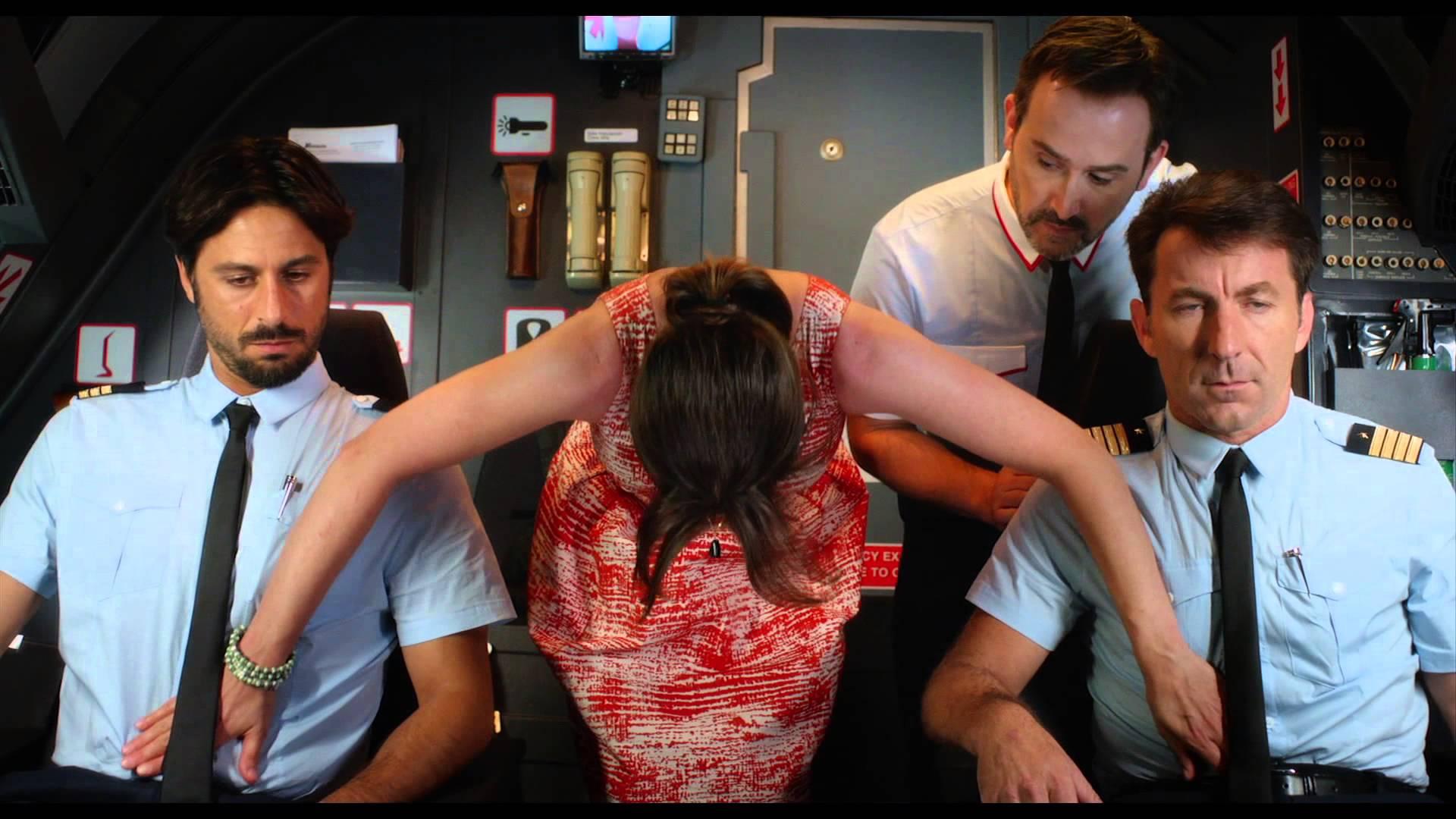 Секс в самолете – стюардесса рассказала о развлечениях на борту