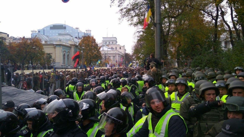 СРОЧНО! Митингующие дали Порошенко последний шанс! Узнайте, что происходит в центре Киева