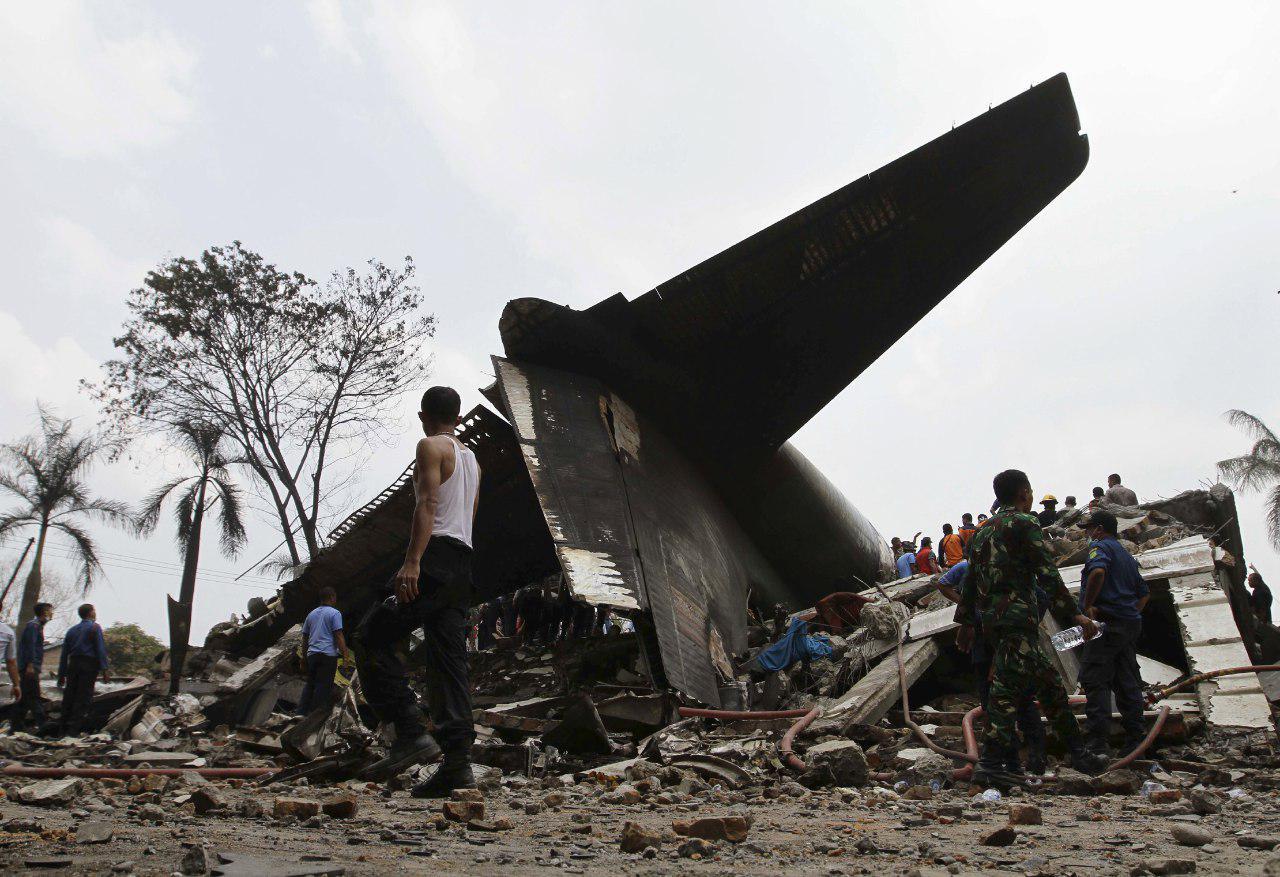 """Авиакатастрофу с гибелью украинцев """"раскручивают"""" мировые СМИ. Почему молчит Порошенко?"""