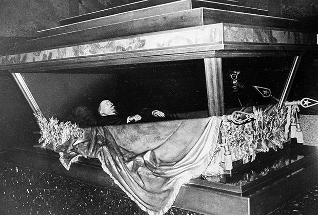 ДОЛЖНЫ ЗНАТЬ! Что будет с Россией, когда вынесут Ленина из мавзолея