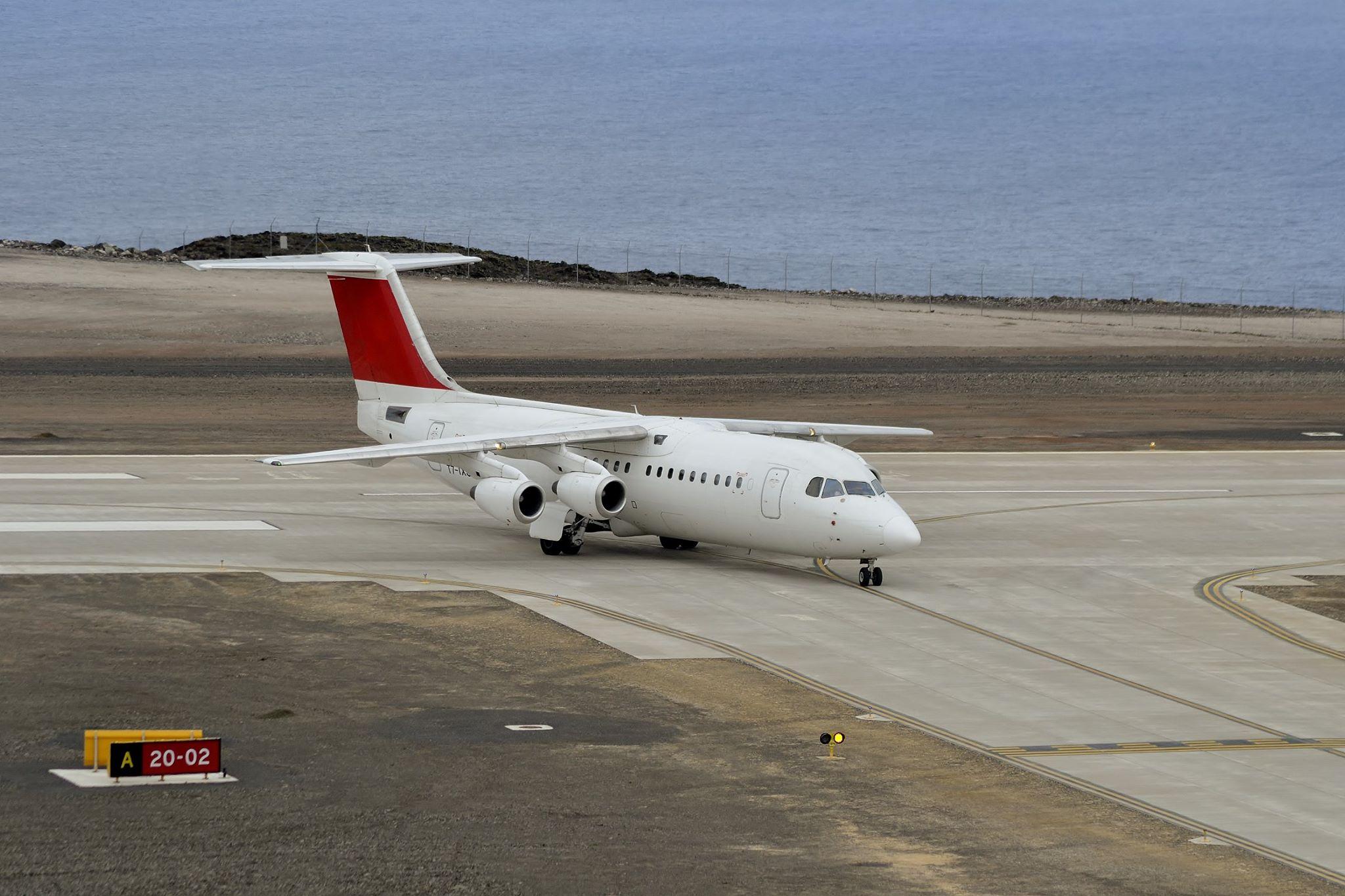 НЕУЖЕЛИ? Самый бесполезный аэропорт в мире принял первый рейс