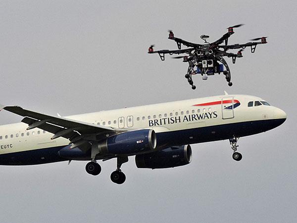 СРОЧНО! Беспилотник столкнулся с пассажирским самолетом